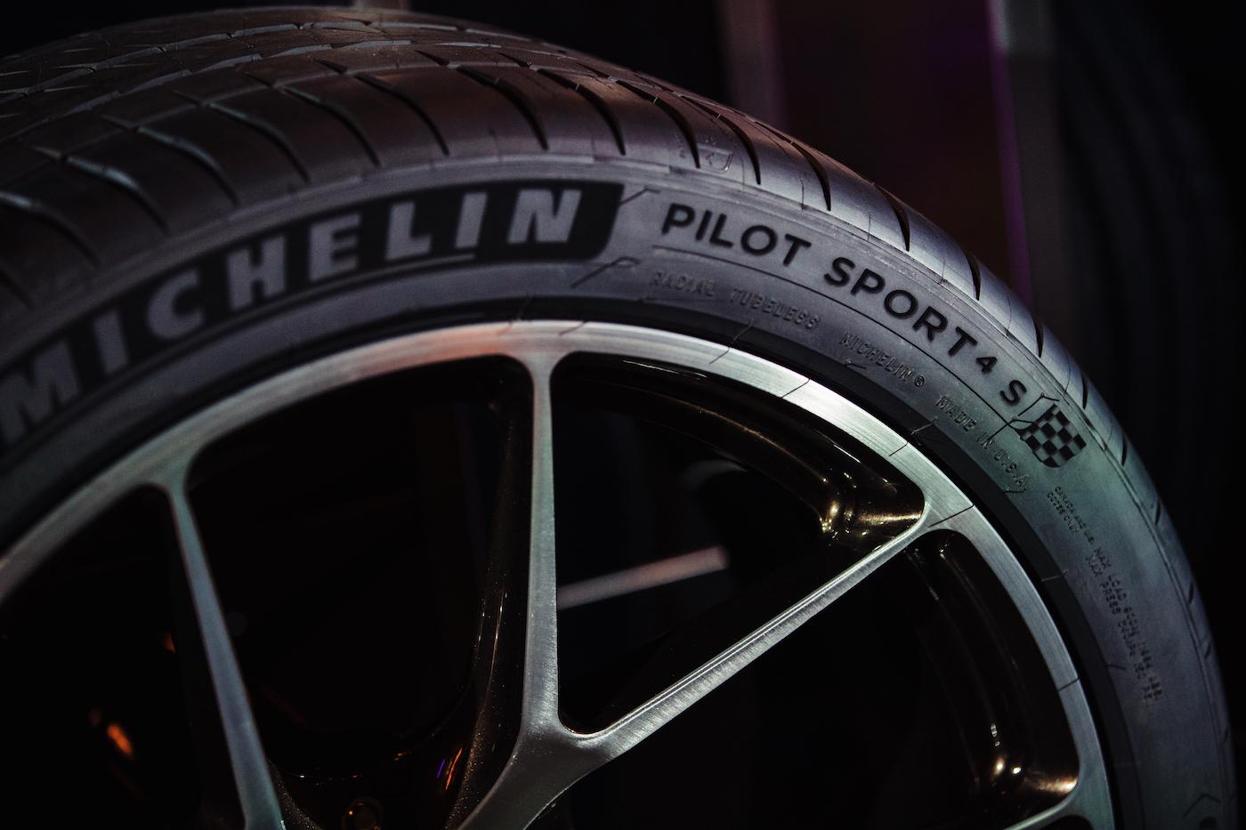 Qualmende Reifen in der kalifornischen Wüste: <br>Der Michelin Pilot Sport 4 S 4