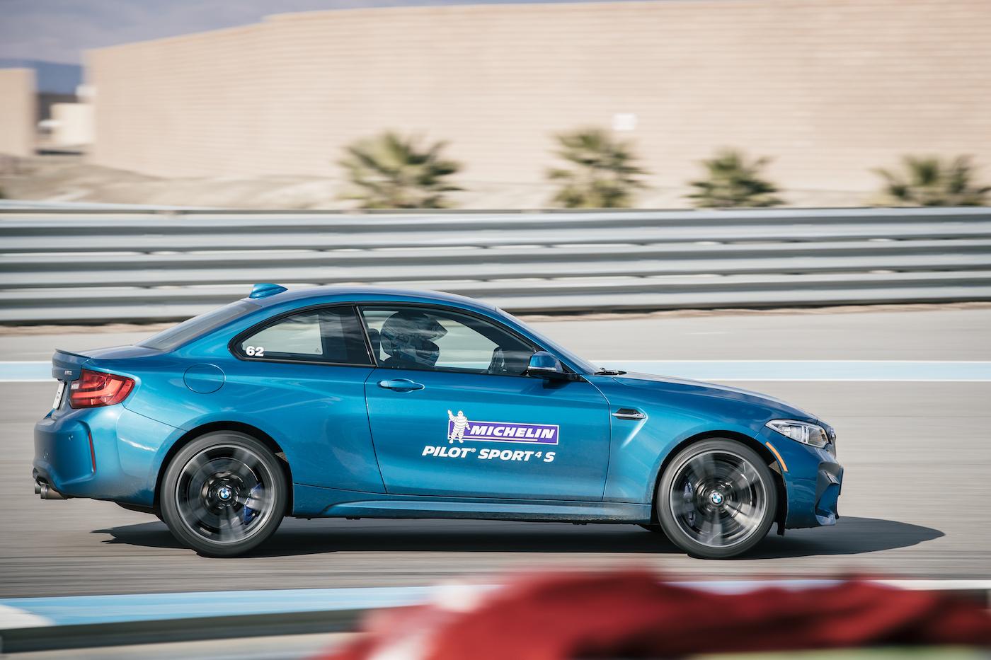 Qualmende Reifen in der kalifornischen Wüste: <br>Der Michelin Pilot Sport 4 S 10