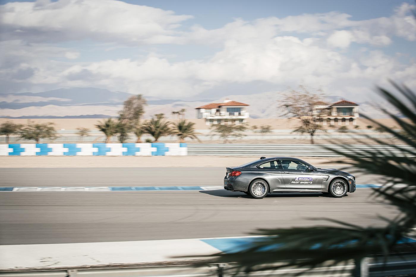 Qualmende Reifen in der kalifornischen Wüste: <br>Der Michelin Pilot Sport 4 S 11