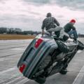 Echte Kerle: Ultimativer Reifenwechsel auf zwei Rädern