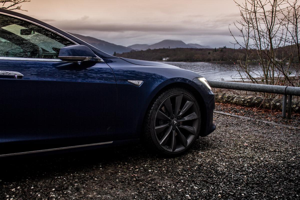 Electric Roadtrip In The Tesla 90D 4