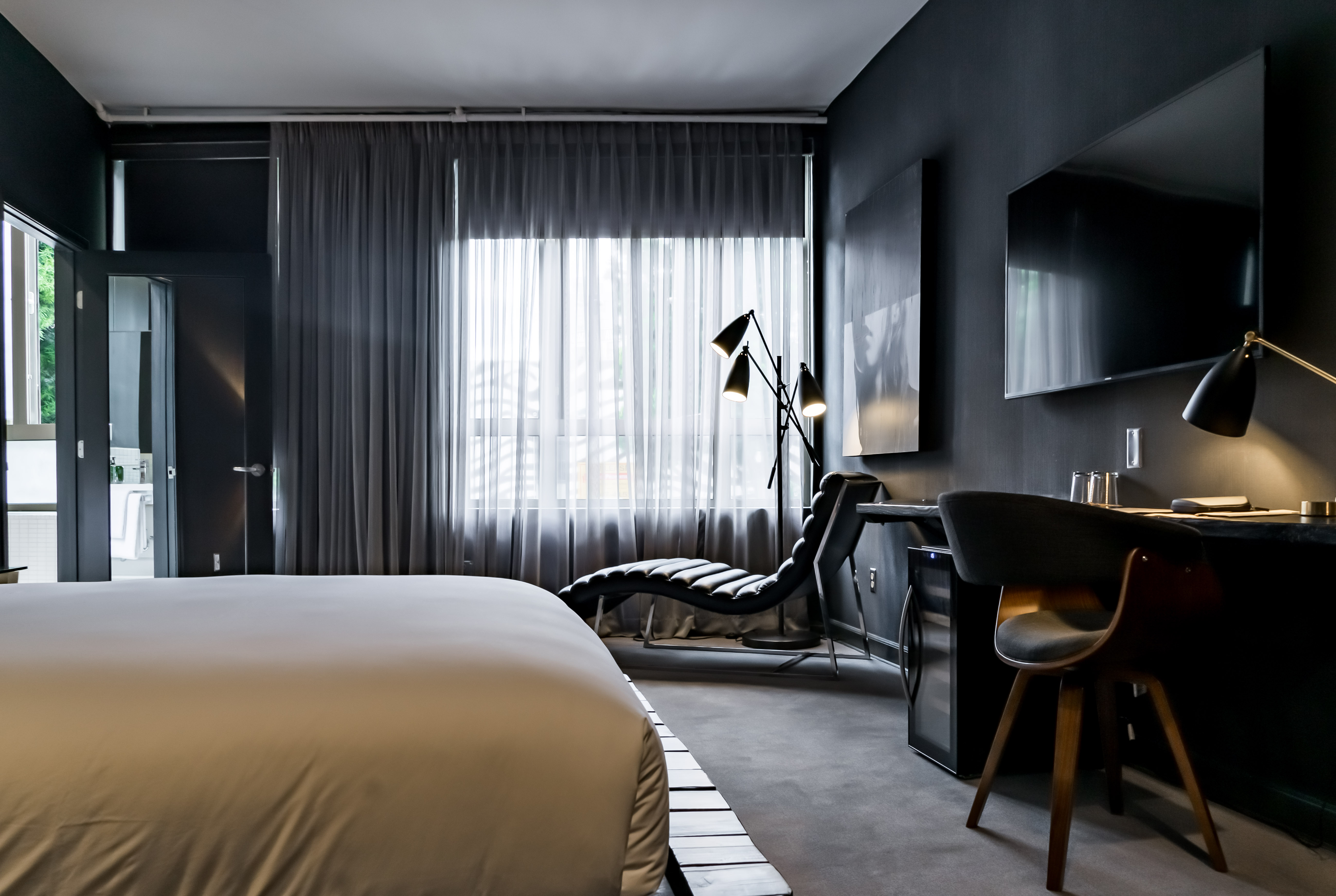 Tuck Hotel 02