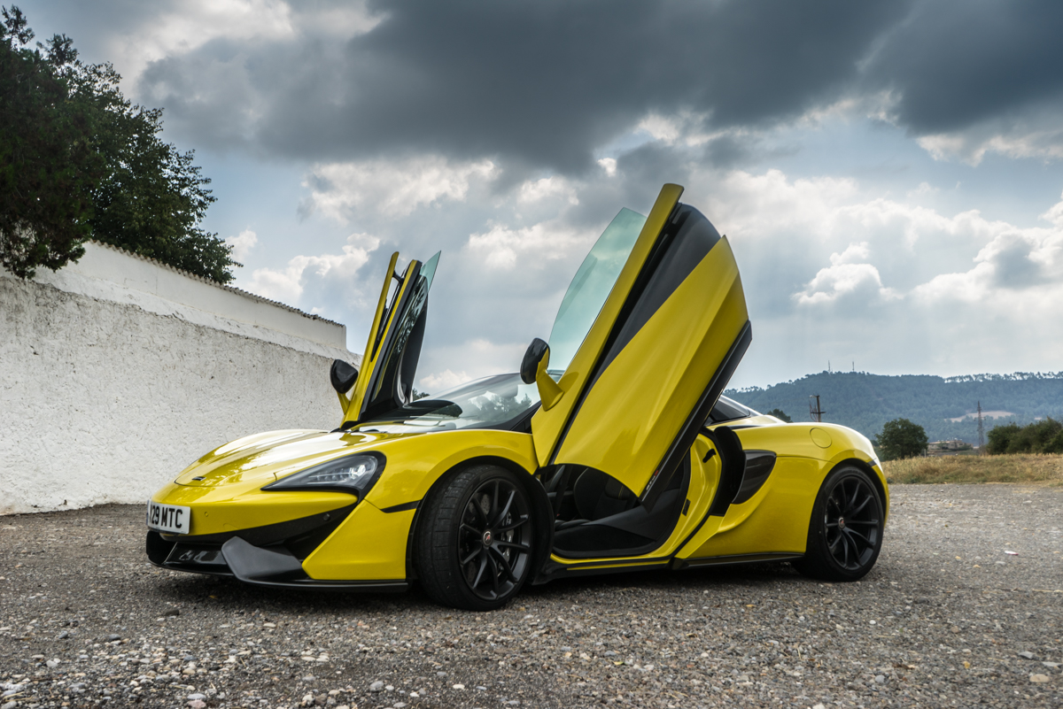 Drive Time With The New McLaren 570S Spider 10