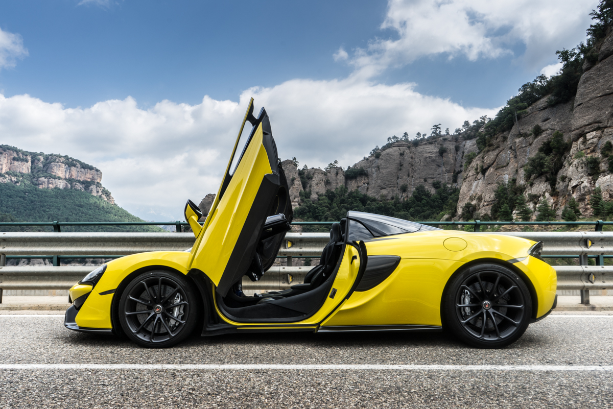 Drive Time With The New McLaren 570S Spider 11