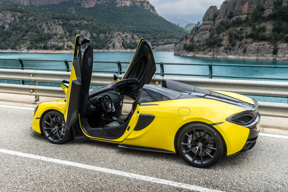 Drive Time With The New McLaren 570S Spider 6