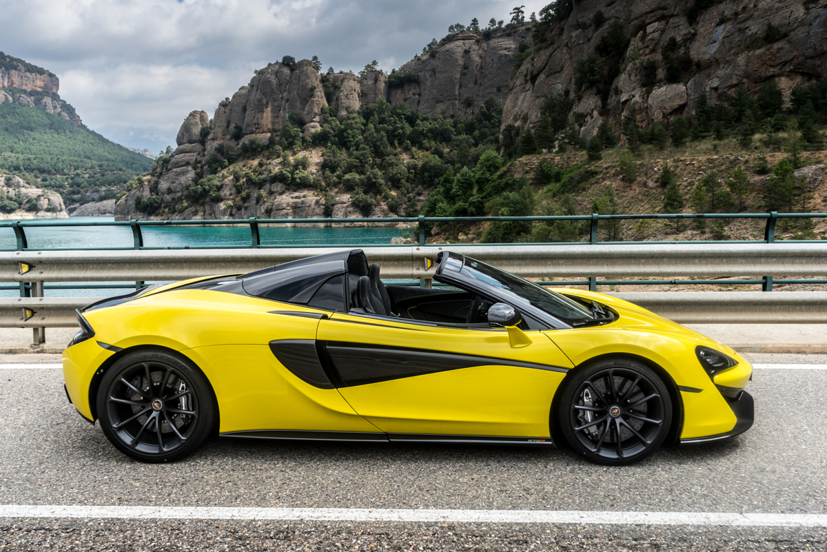 Drive Time With The New McLaren 570S Spider 4