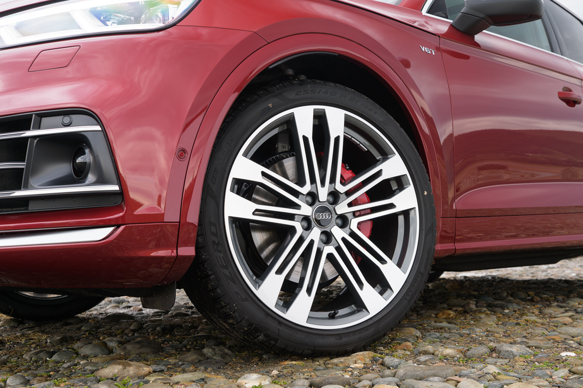 Four-Wheel Fun in The Audi SQ5 9