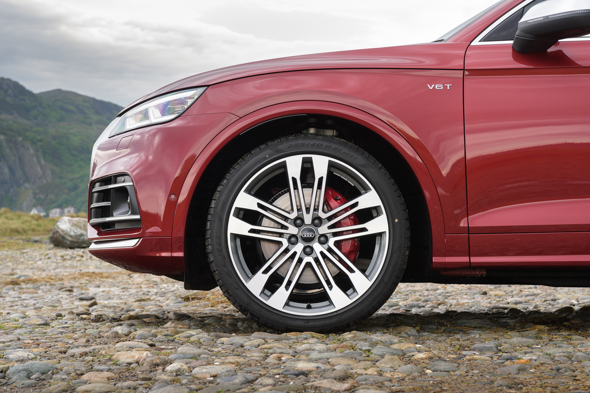 Four-Wheel Fun in The Audi SQ5 5
