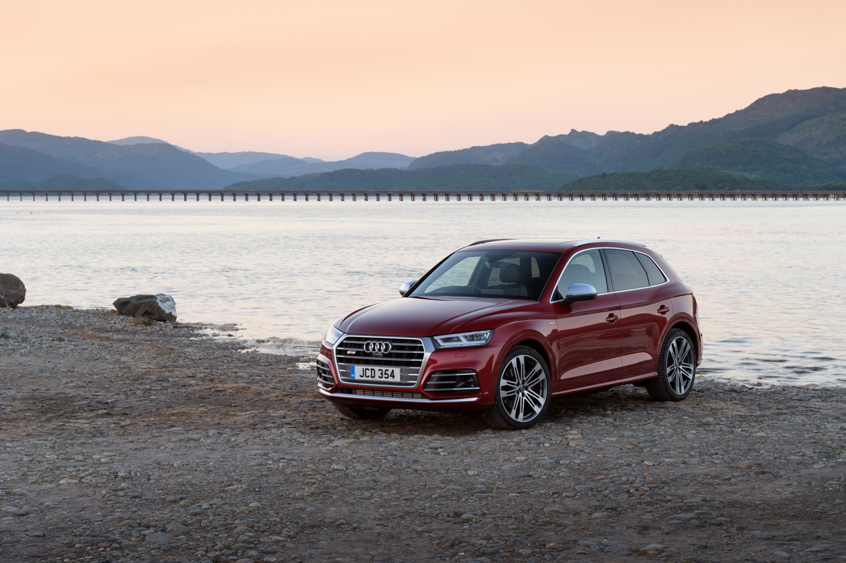 Four-Wheel Fun in The Audi SQ5 4