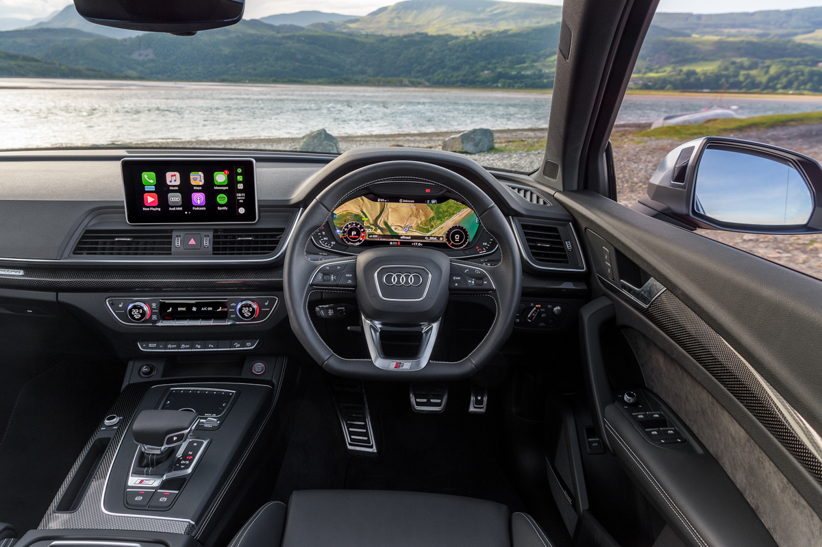 Four-Wheel Fun in The Audi SQ5 10