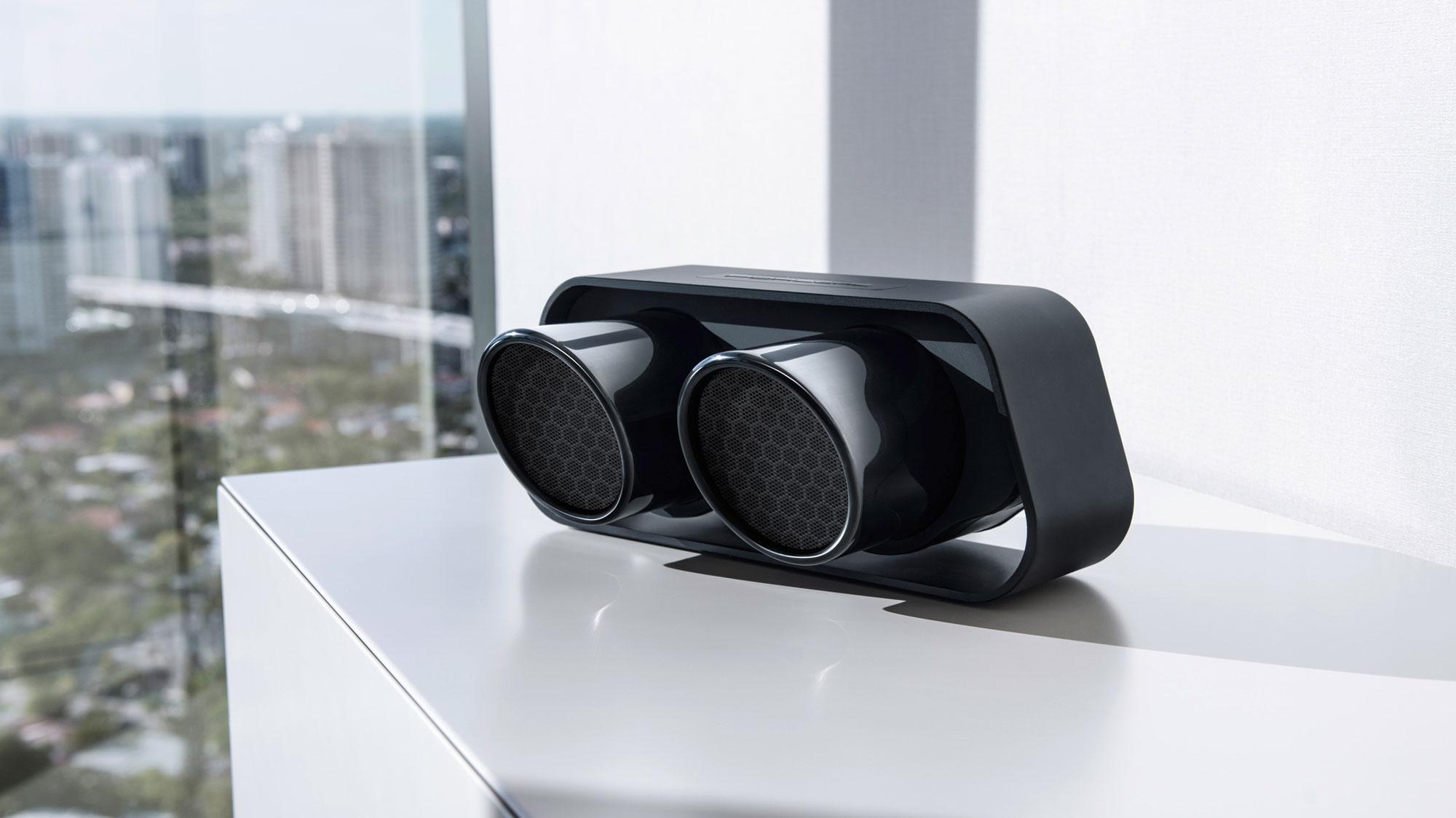 911 Speaker