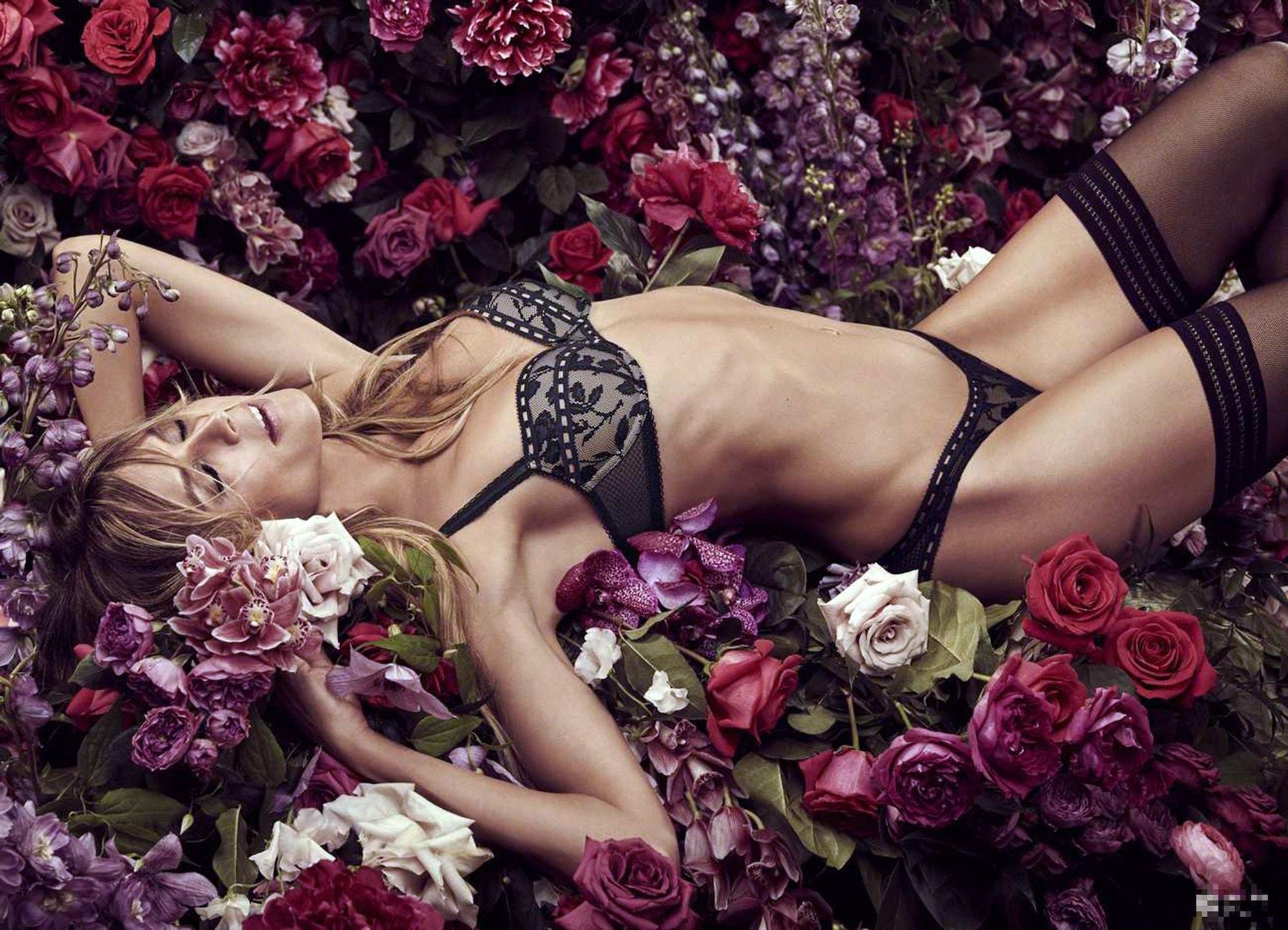 Intimates: Heidi Klum präsentiert neue Dessous Kollektion 2