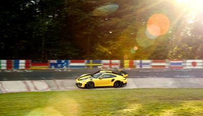 Porsche 911 GT2 RS stellt auf Nürburgring neuen Weltrekord auf