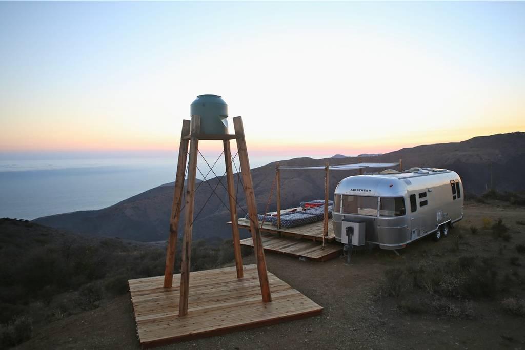 Airbnb mal anders: Schlafen im Malibu Dream Airstream 12