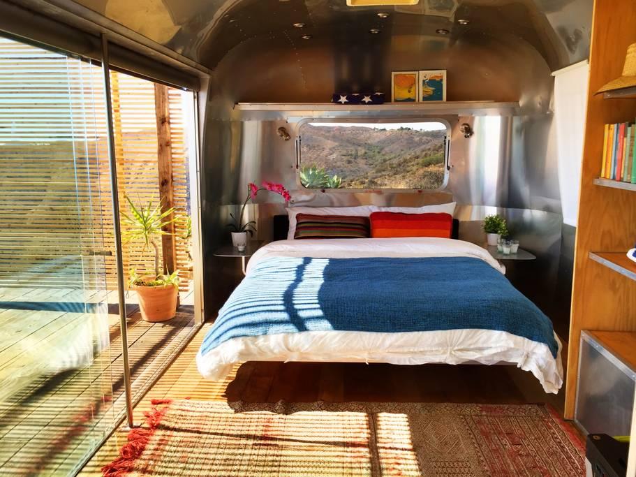 Airbnb mal anders: Schlafen im Malibu Dream Airstream 2