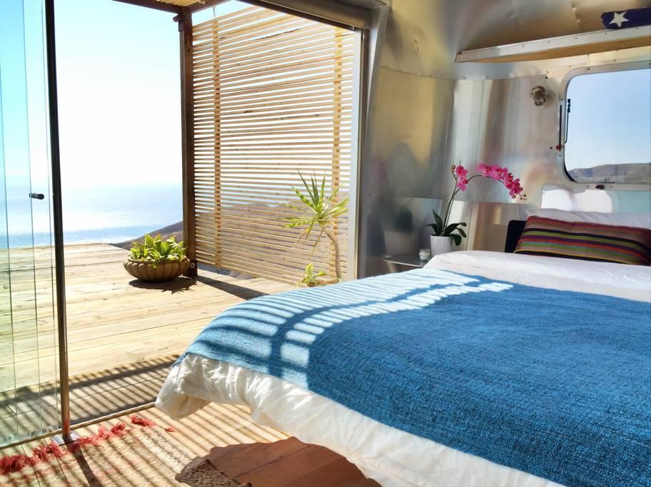 Airbnb mal anders: Schlafen im Malibu Dream Airstream 9