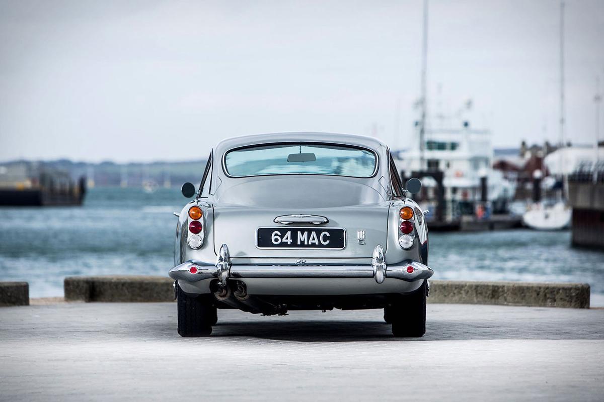 Paul McCartney's 1964er Aston Martin DB5 wird für $ 2 Mio. versteigert 2