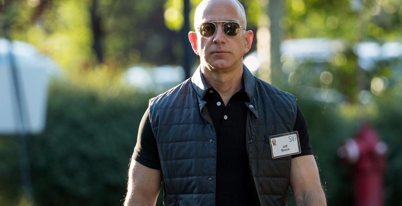 Jeff Bezos wird voraussichtlich bis 2026 der erste Billionär der Welt sein
