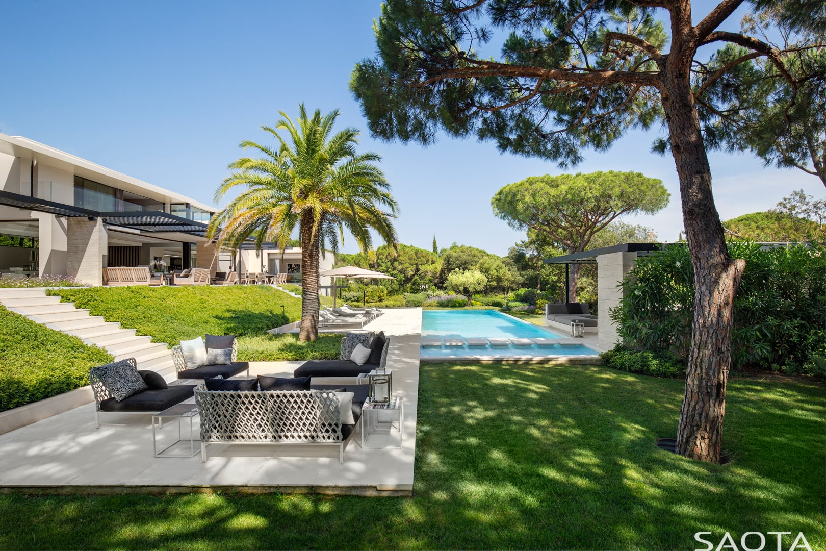 An der französischen Riviera: St. Tropez Residence by SAOTA 4