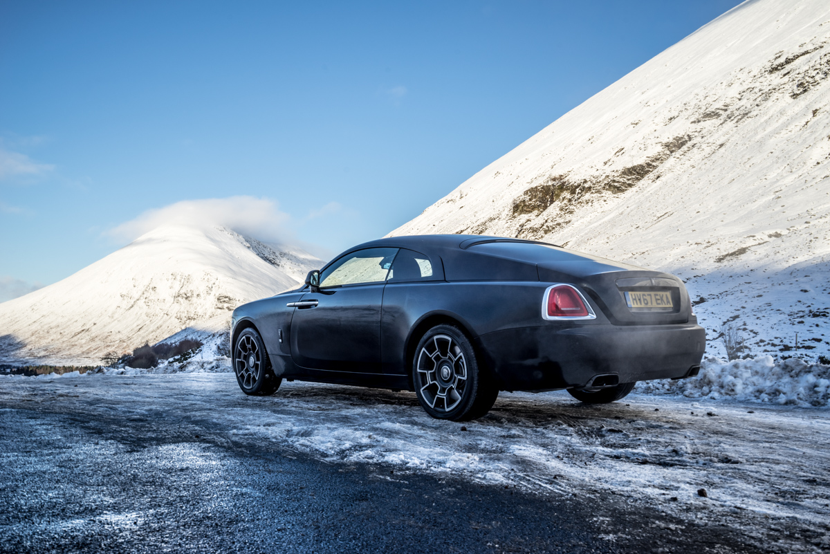 Touring With a Super GT. The Rolls-Royce Wraith Black Badge 10