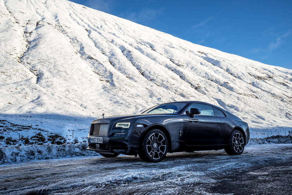 Touring With a Super GT. The Rolls-Royce Wraith Black Badge 8