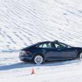 Härteprobe unter winterlichen Bedingungen: Die Tesla Winter Driving Experience