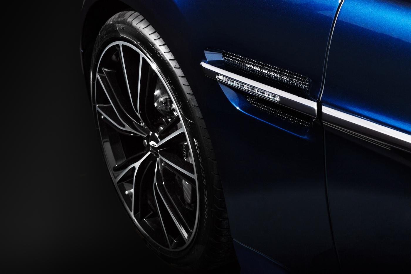 007: Daniel Craig's Aston Martin Vanquish wird in New York versteigert 3