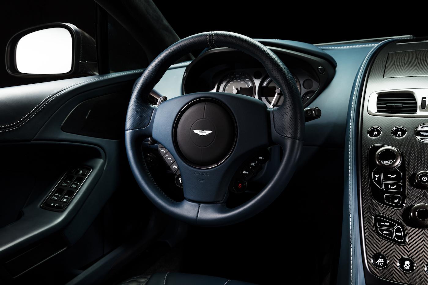 007: Daniel Craig's Aston Martin Vanquish wird in New York versteigert 6