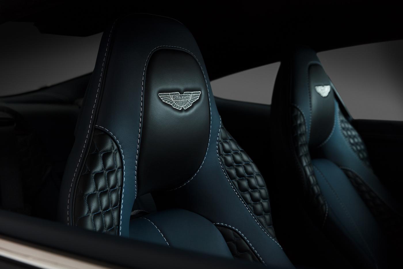 007: Daniel Craig's Aston Martin Vanquish wird in New York versteigert 8