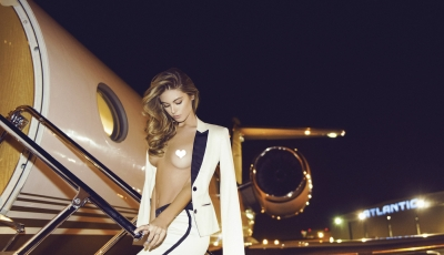 Sensual Jet Set: Carmella Rose For treats! Magazine by Alvin Ngyen