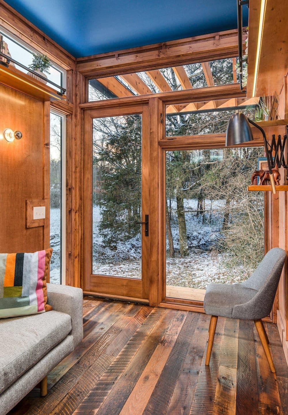 Ein sonderbares Refugium inmitten der Natur: The Cornelia Tiny House 3