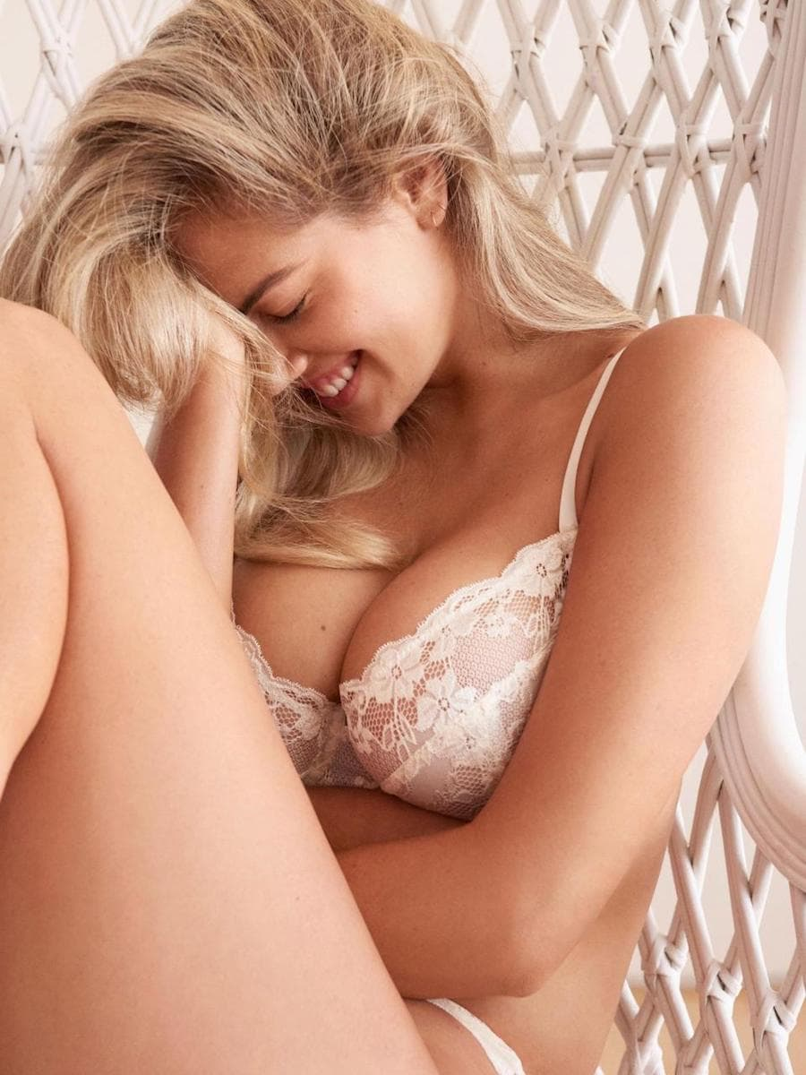 Confident Beauty: Kate Upton poses for the new Yamamay campaign 7