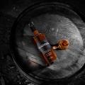 Metallica geht unter die Schnapsbrenner und stellt Blackened American Whiskey vor