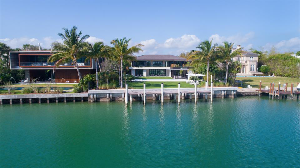 Ein Blick in DJ Khaled's $26 Millionen Dollar Anwesen in Miami 15