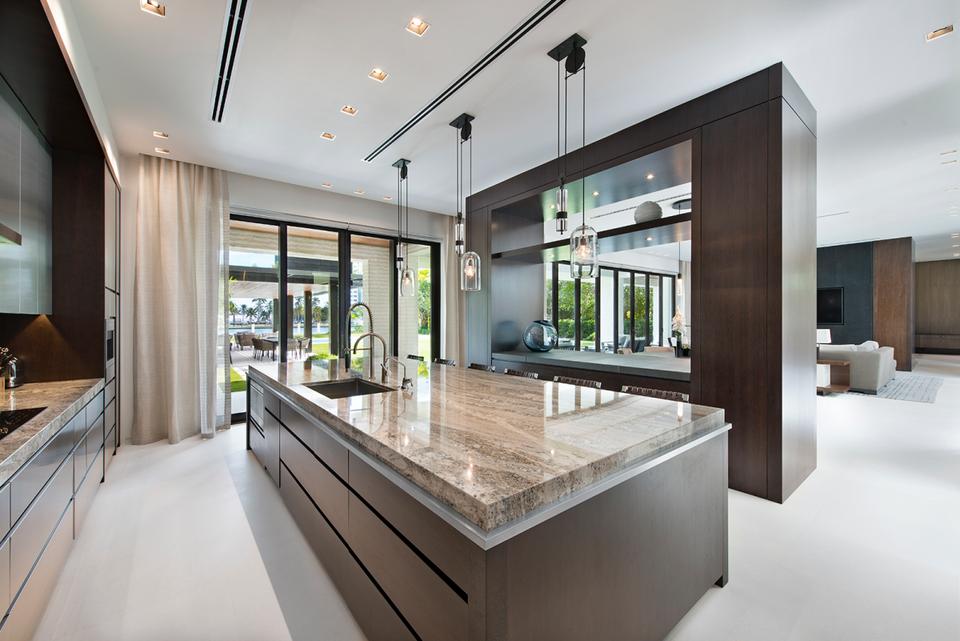 Ein Blick in DJ Khaled's $26 Millionen Dollar Anwesen in Miami 5
