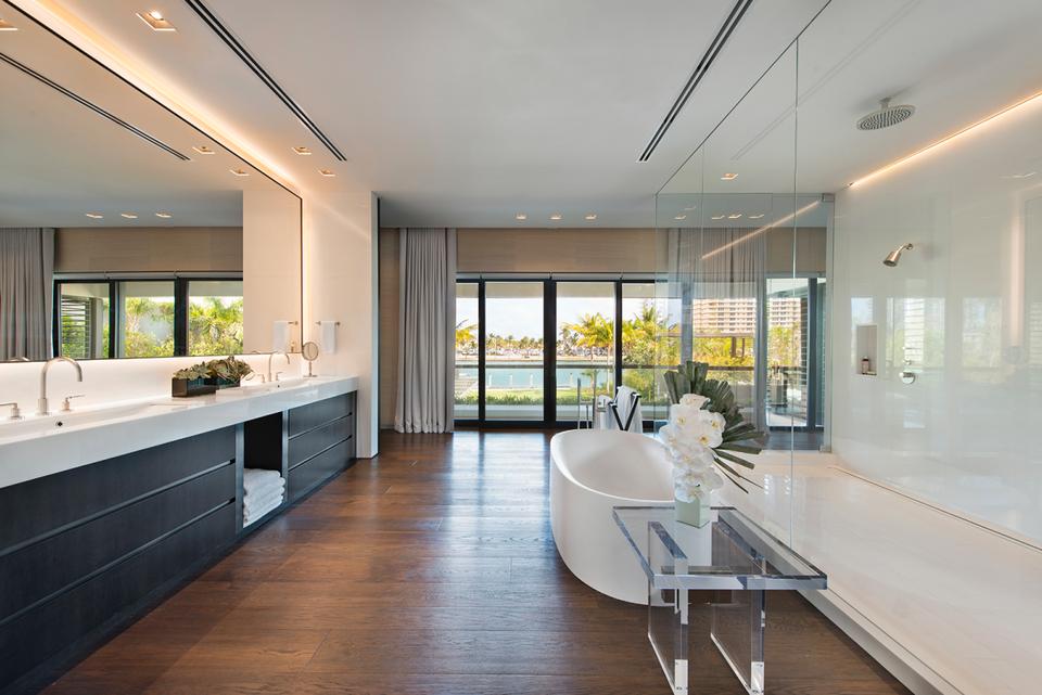 Ein Blick in DJ Khaled's $26 Millionen Dollar Anwesen in Miami 8