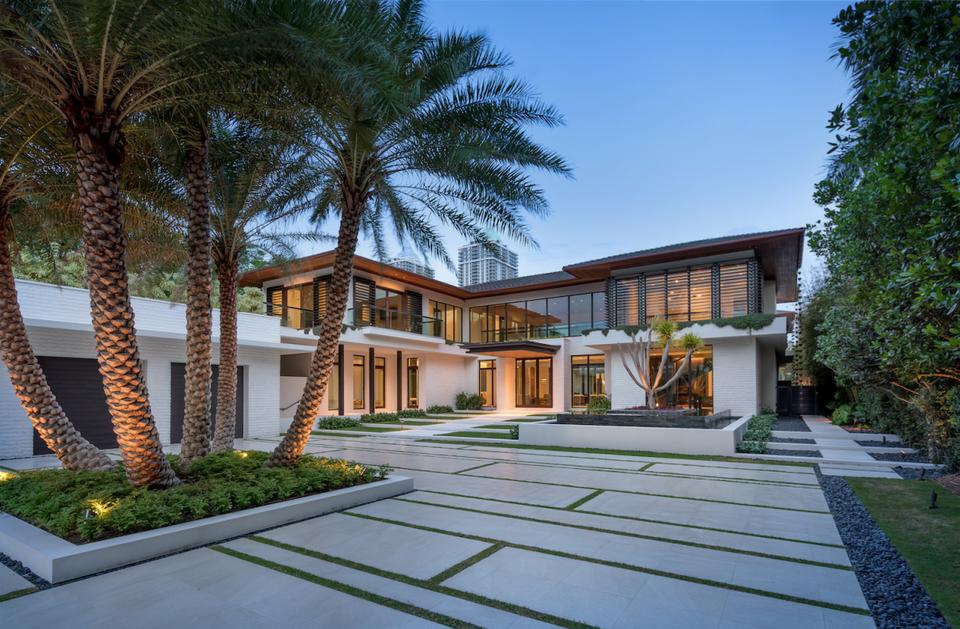 Ein Blick in DJ Khaled's $26 Millionen Dollar Anwesen in Miami 1