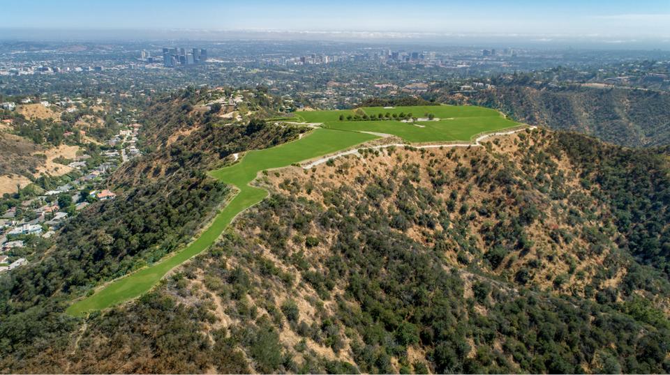 Wohnen auf dem Berg: Dieses Grundstück über Los Angeles kostet $1 Milliarde Dollar 1