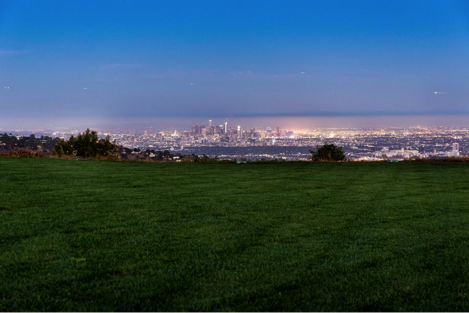 Wohnen auf dem Berg: Dieses Grundstück über Los Angeles kostet $1 Milliarde Dollar 6