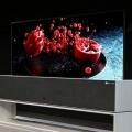 CES Neuheit: Dieser OLED-Fernseher von LG rollt sich auf