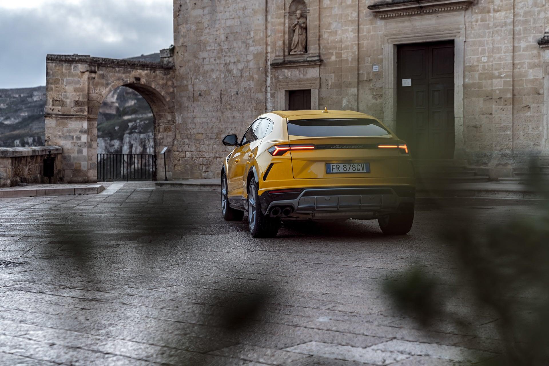 Mit dem Lamborghini Urus durch die wiederentdeckte Stadt Matera 7