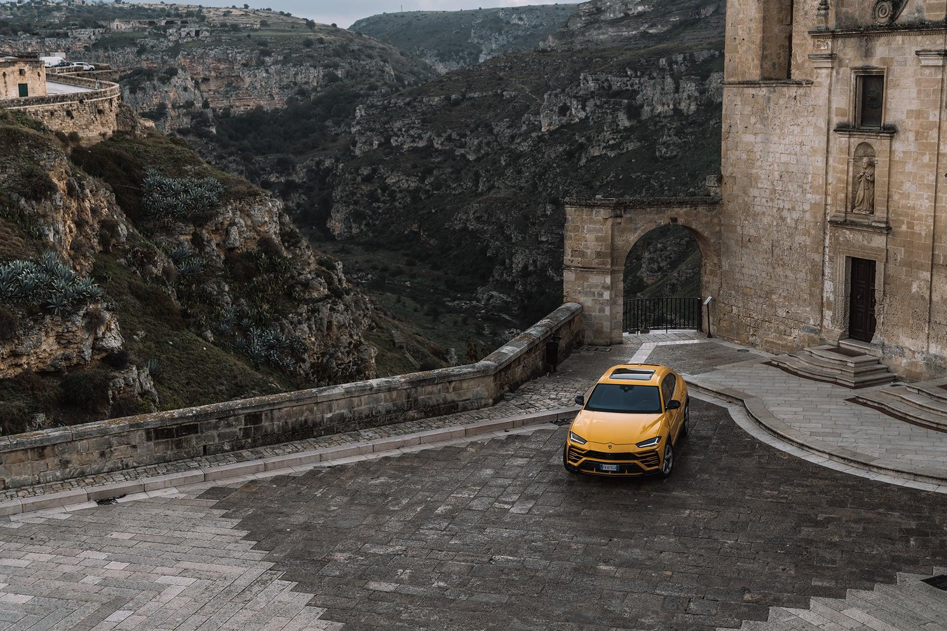 Mit dem Lamborghini Urus durch die wiederentdeckte Stadt Matera 6