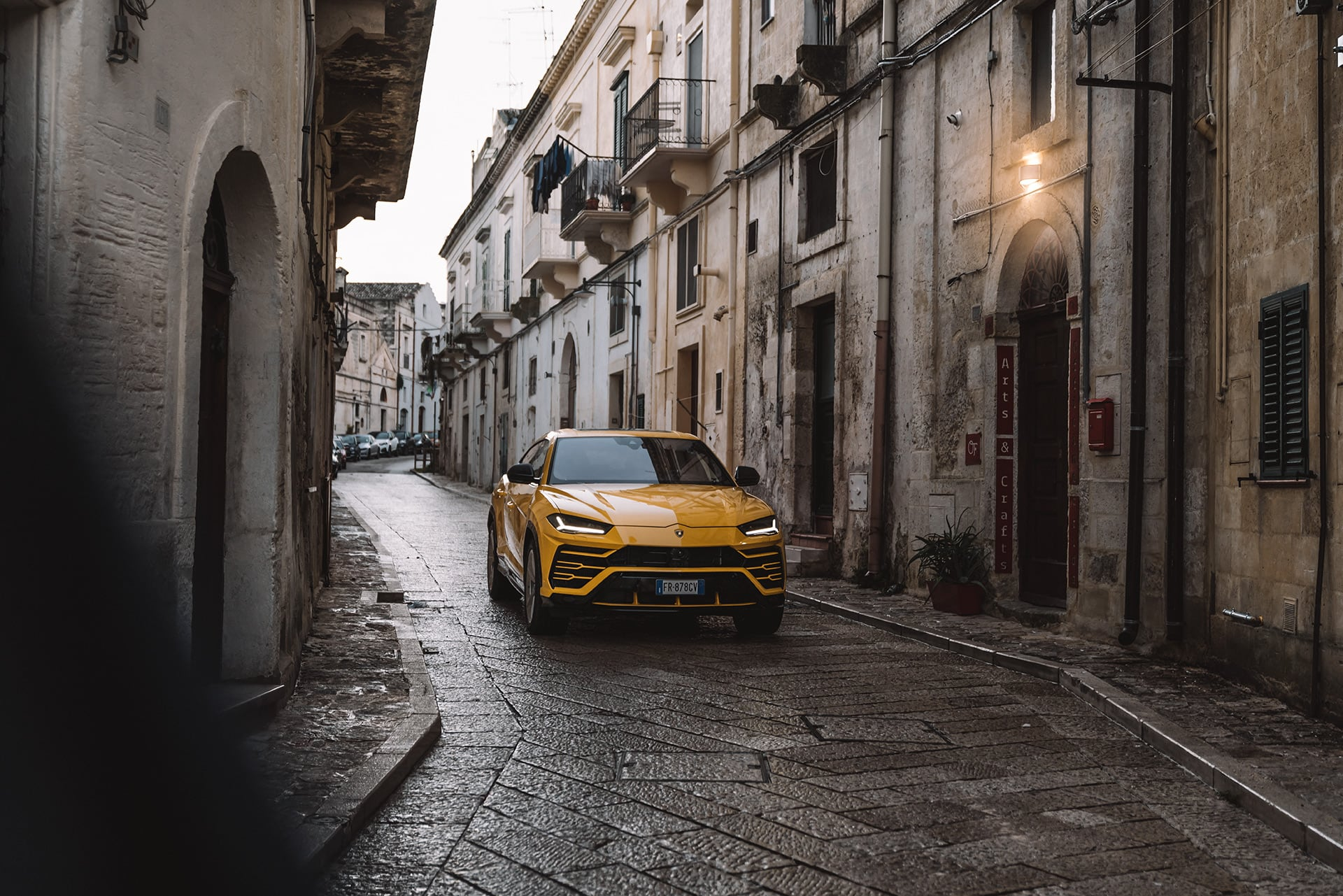 Mit dem Lamborghini Urus durch die wiederentdeckte Stadt Matera 1