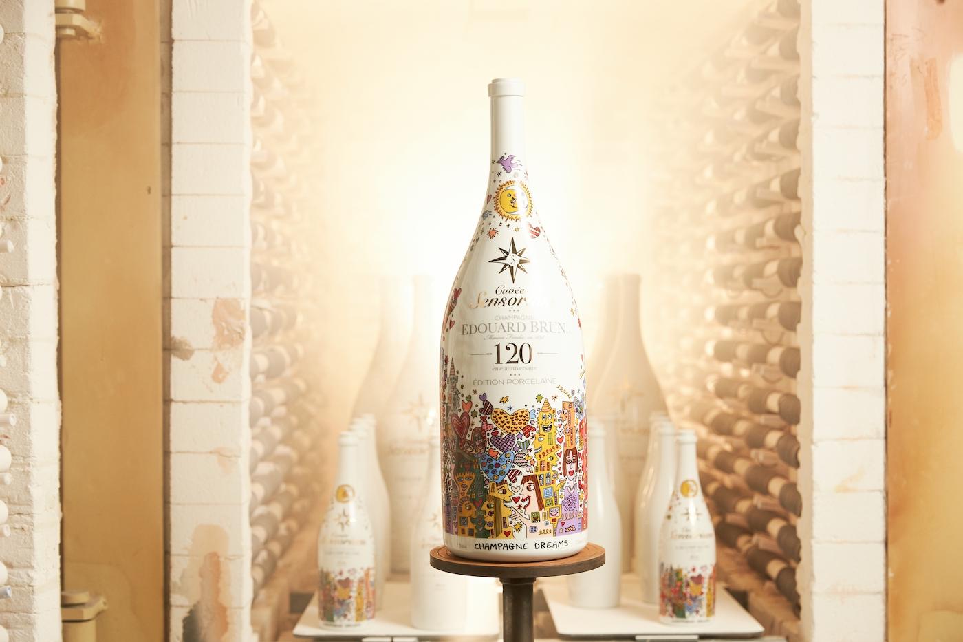Cuvèe Sensorium stellt ersten Champagner in Porzellanflasche vor 1