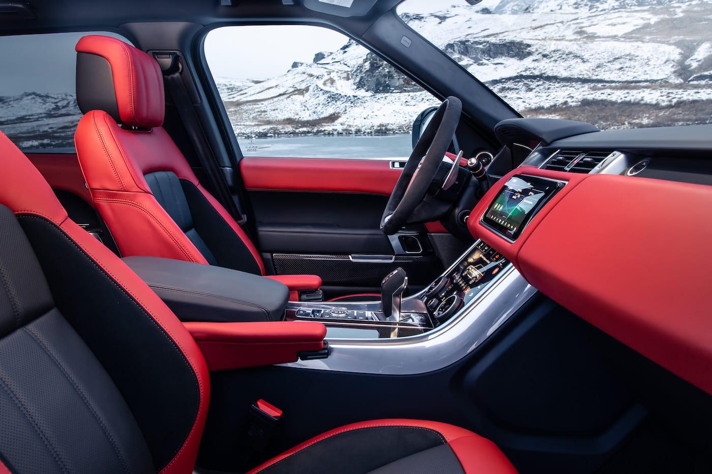 Effizienter Luxus: Das Range Rover Sport HST Sondermodell 10