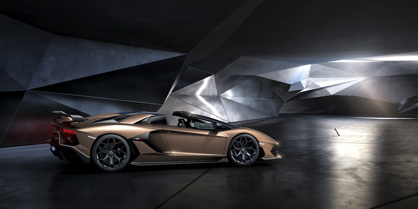 Oben ohne mit 350 km/h: Lamborghini präsentiert den Aventador SVJ Roadster in Genf 9