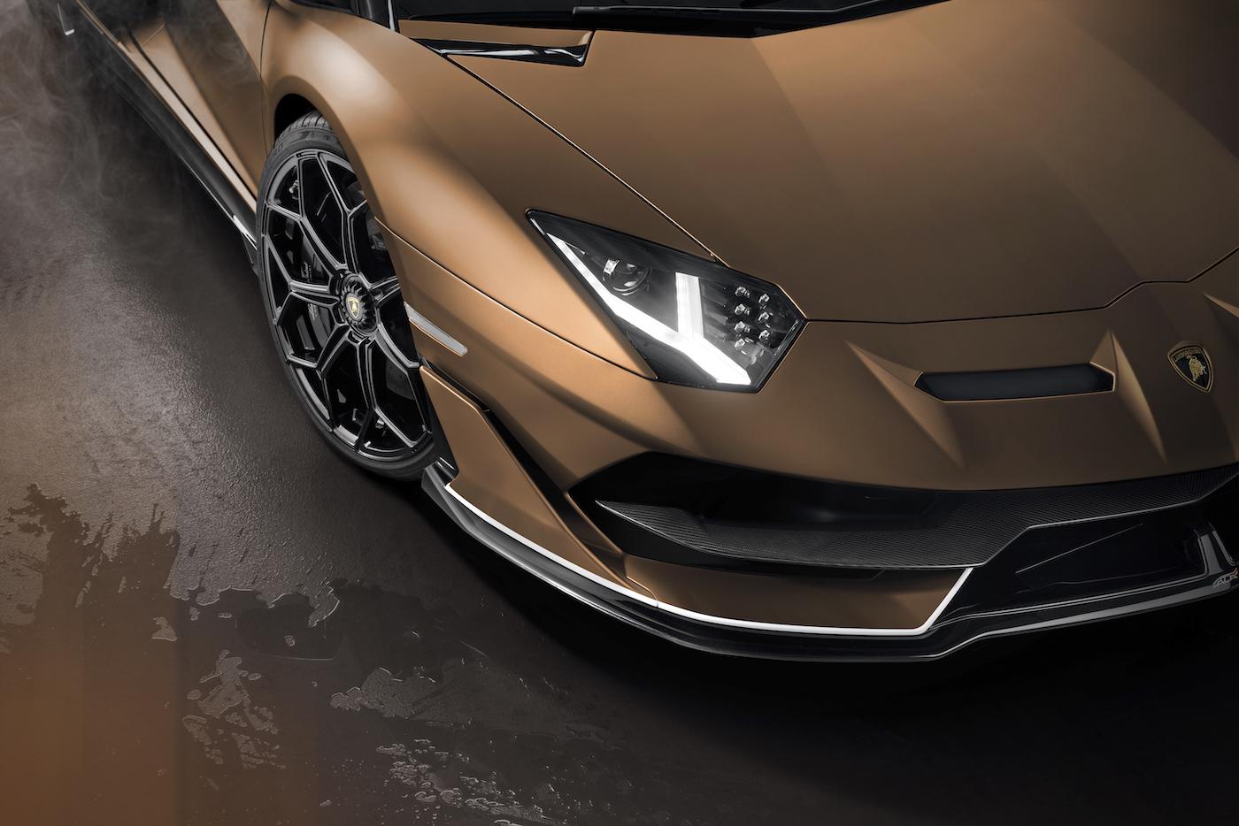 Oben ohne mit 350 km/h: Lamborghini präsentiert den Aventador SVJ Roadster in Genf 11