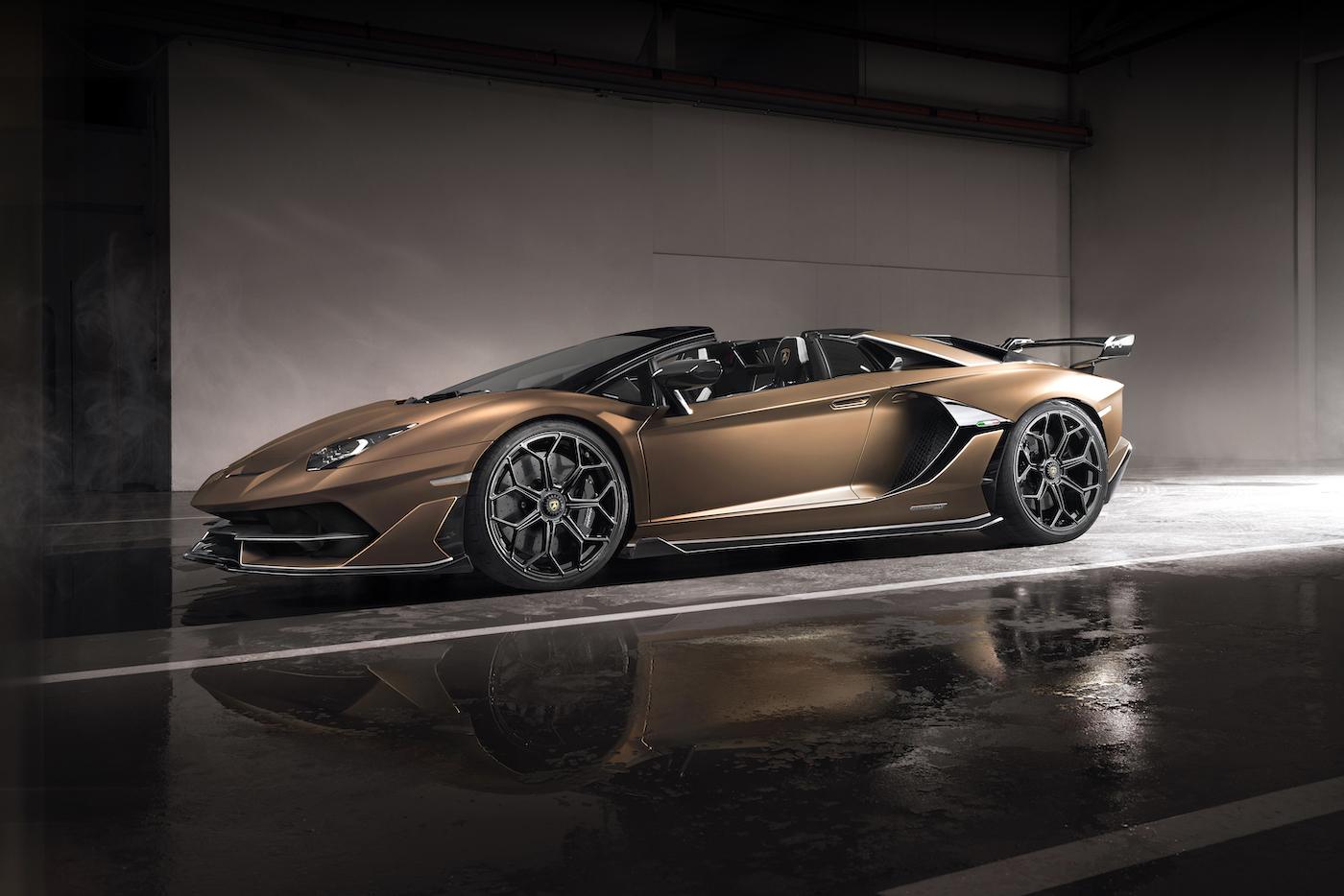 Oben ohne mit 350 km/h: Lamborghini präsentiert den Aventador SVJ Roadster in Genf 4