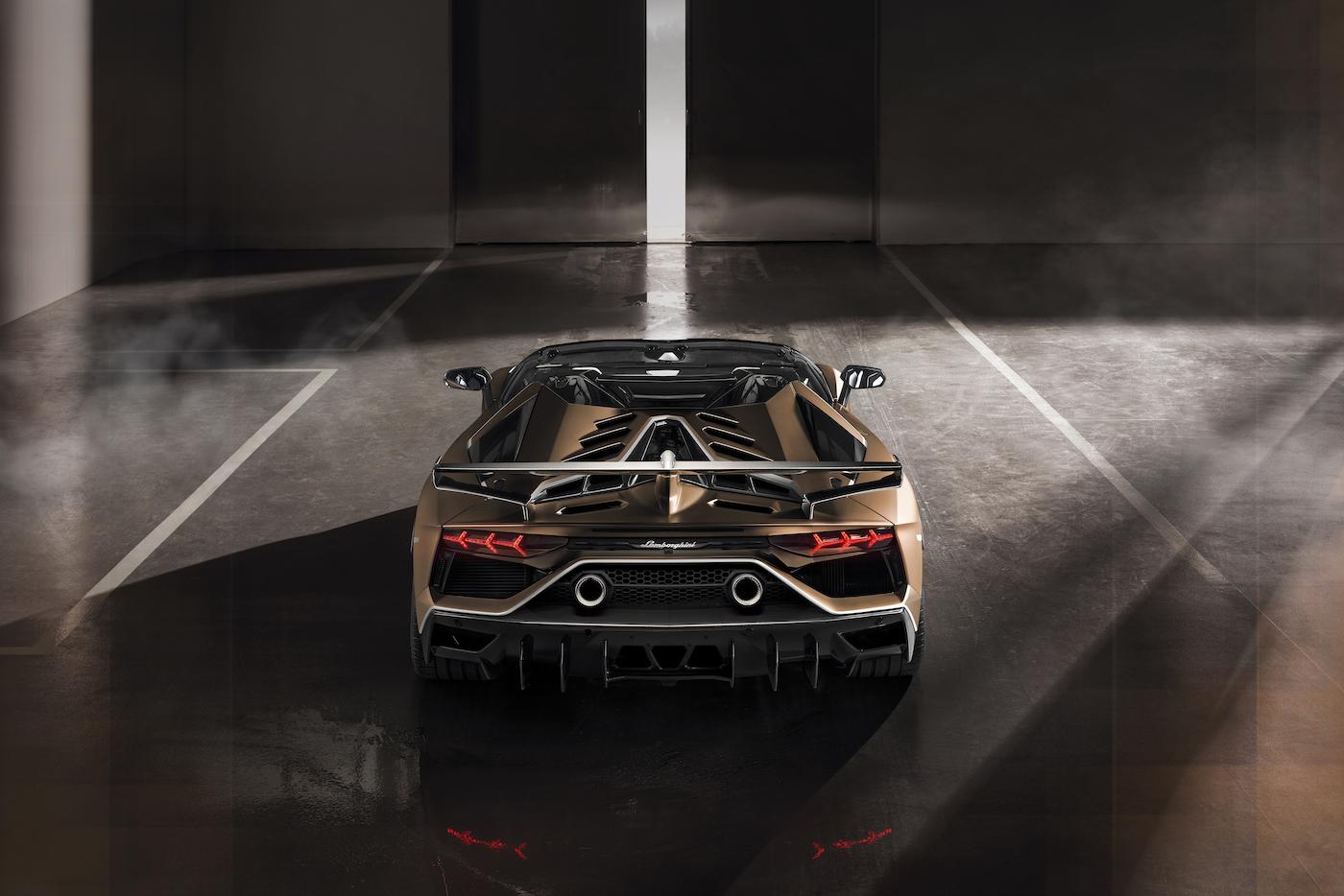 Oben ohne mit 350 km/h: Lamborghini präsentiert den Aventador SVJ Roadster in Genf 13
