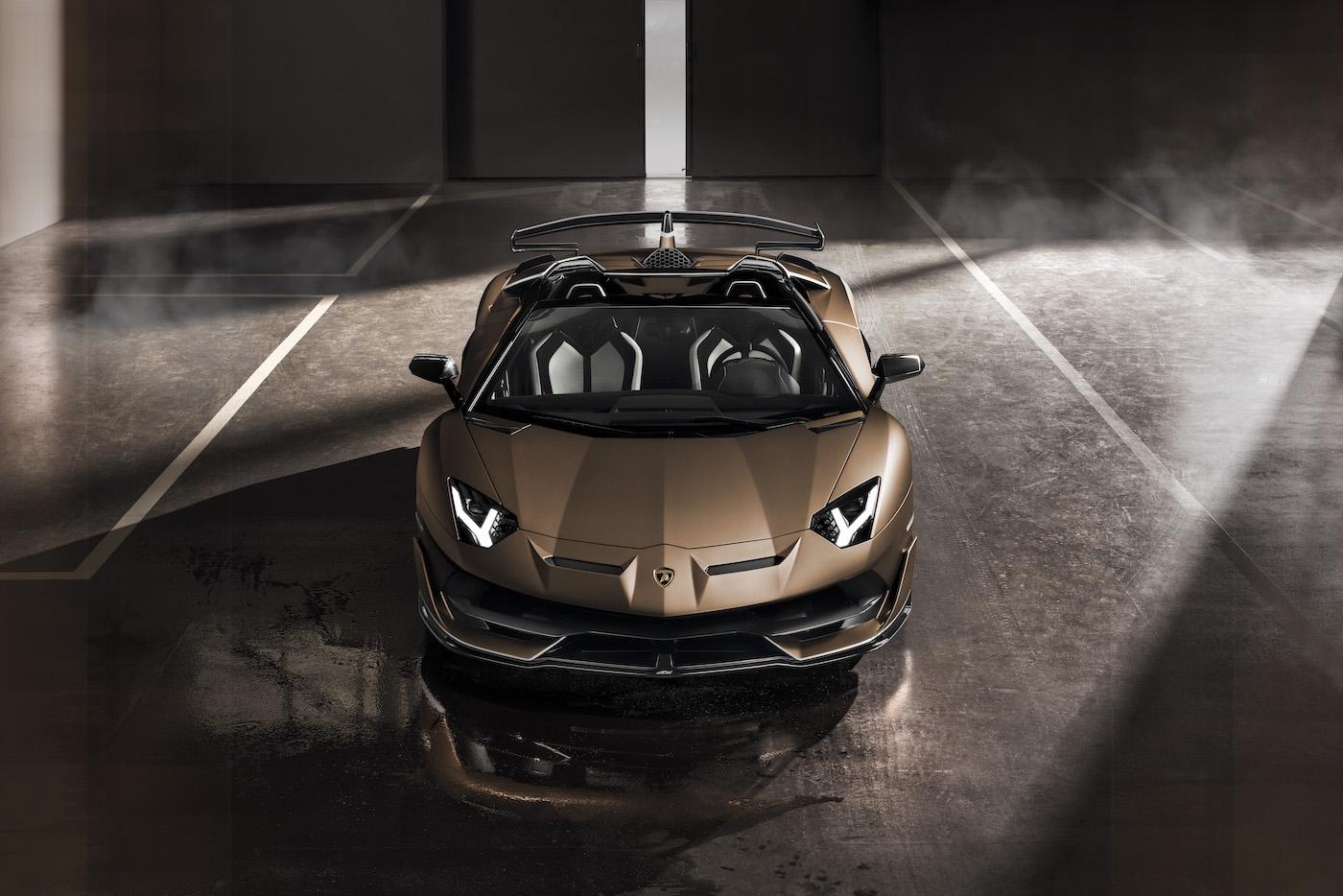 Oben ohne mit 350 km/h: Lamborghini präsentiert den Aventador SVJ Roadster in Genf 12